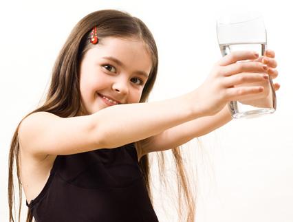 Няколко причини защо да се пие повече вода и полезни съвети.